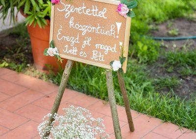 Esküvő dekoráció tábla